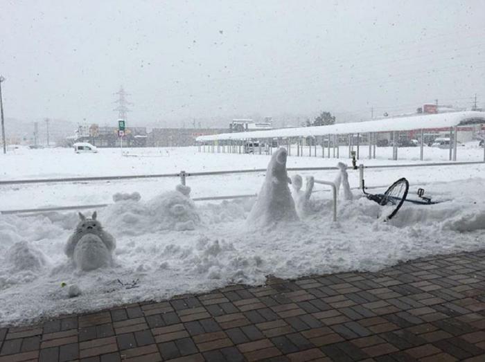 Что происходит, когда Японию накрывает сильный снегопад: 20 забавных фото
