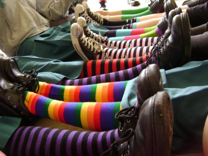 Люди, которые носят странные носки, - гениальные, творческие и успешные