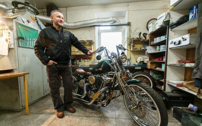 Народный мастер: белорус собрал у себя в гараже «Харлей» в стиле стимпанк