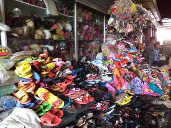 Юго-западный рынок Воронежа: как доехать и что купить