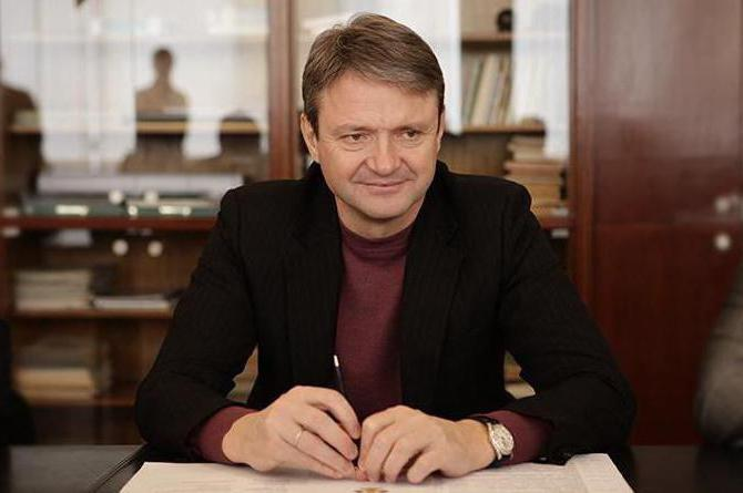 Александр Ткачев, министр сельского хозяйства: биография, семья, политическая карьера