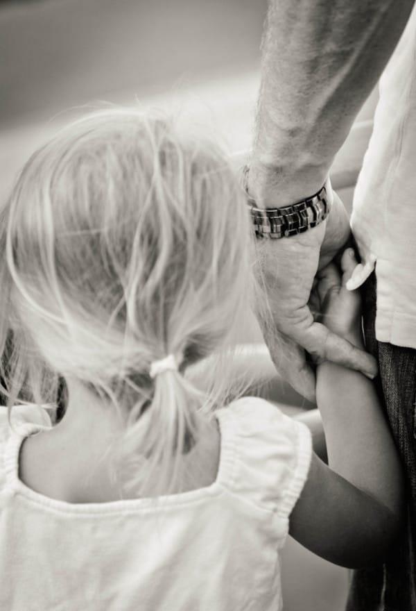 Она увидела, как отец вел себя с 9-летней дочерью, и оставила ему эту записку…