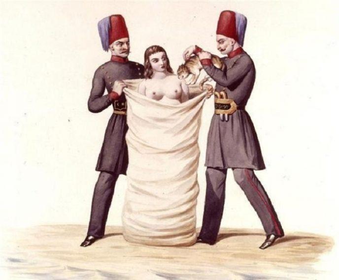 Топ-10 самых страшных наказаний за супружескую измену для женщин.
