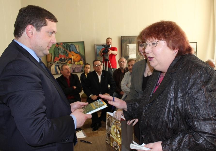 Губернатор Смоленской области Алексей Островский: биография, семья, интересные факты