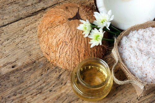 4 натуральные сыворотки, которые помогут омолодить кожу и сделать ее более упругой