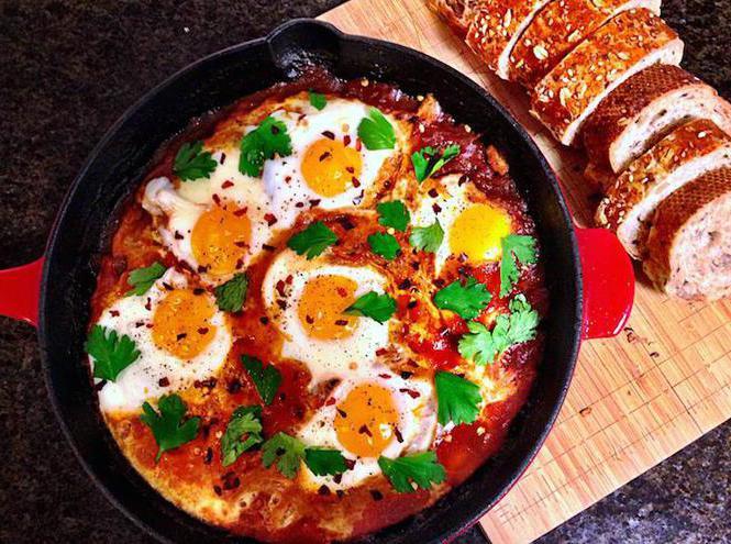 Израильская яичница шакшука: рецепт с фото