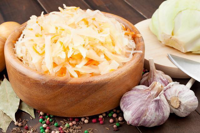 Что делать, если пересолил квашеную капусту? Практические советы