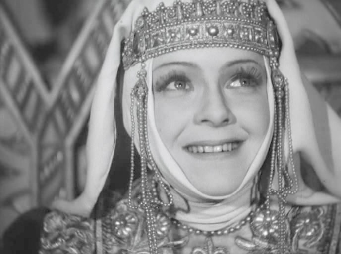 5 отечественных знаменитостей, которые выходили замуж не меньше 5 раз