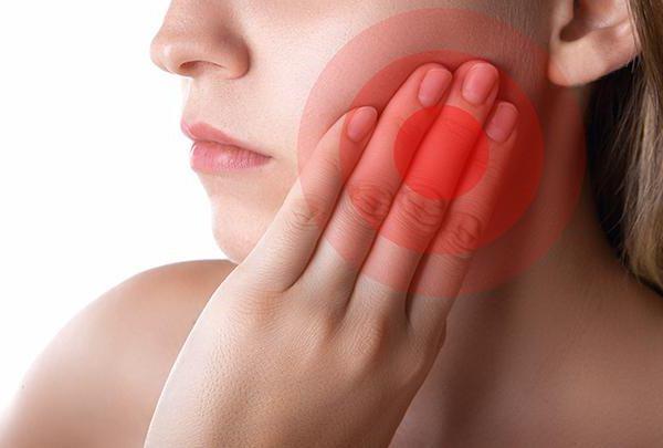 Болит зуб при постукивании а нерва нет