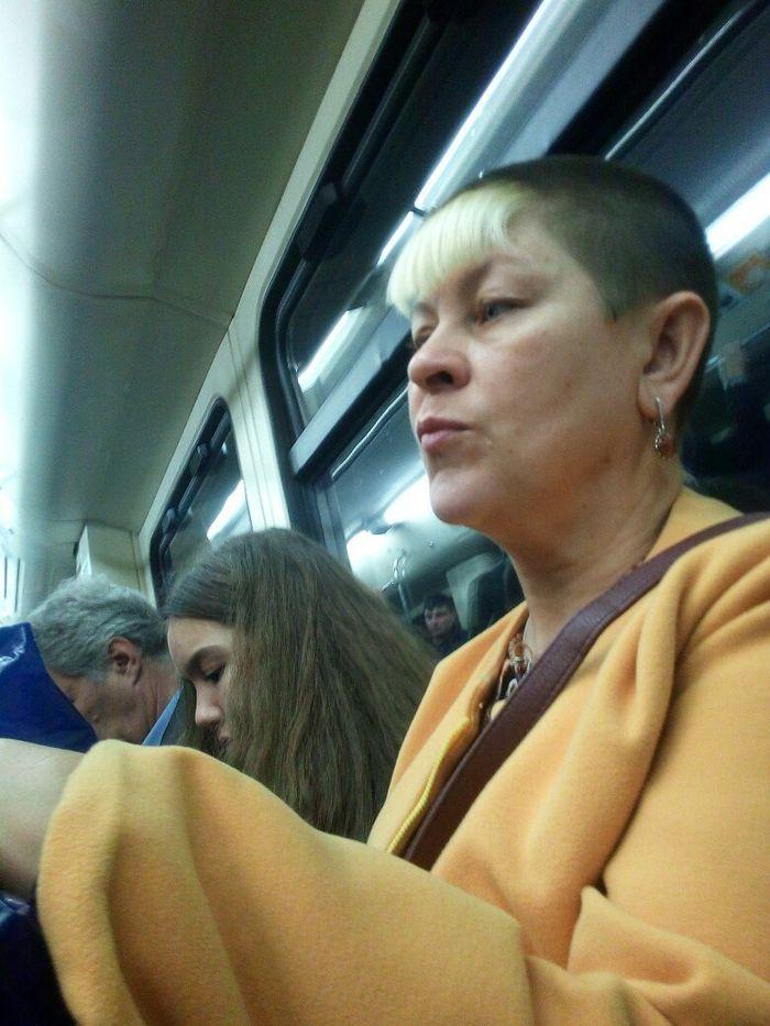 Нашли своё фото? Беспощадная мода из метро!