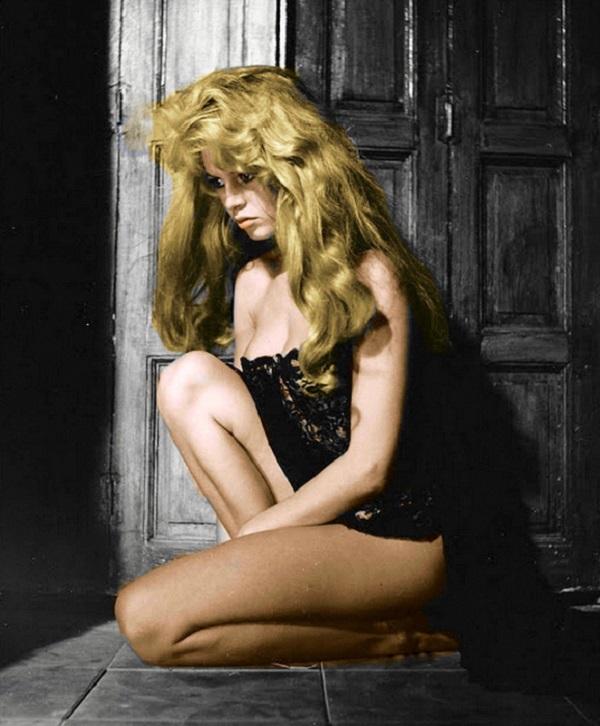 ТОП 20 французских красавиц, которые считались секс символами средины прошлого века.