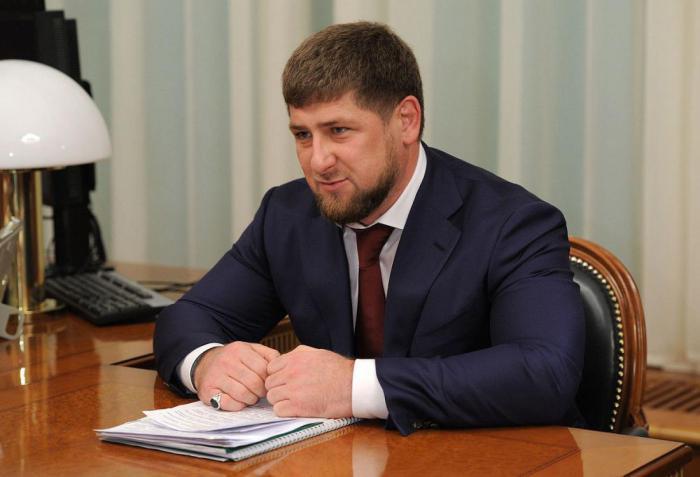 Рамзан Кадыров презентовал звезде шоу «Голос. Дети» автомобиль