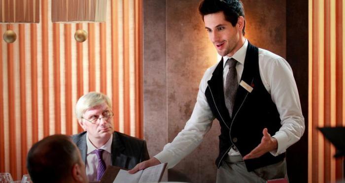13 фраз, которых вы не должны говорить официанту