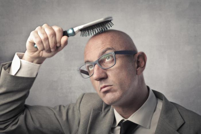 Эти 5 вещей делают мужчины, как только начинают терять волосы