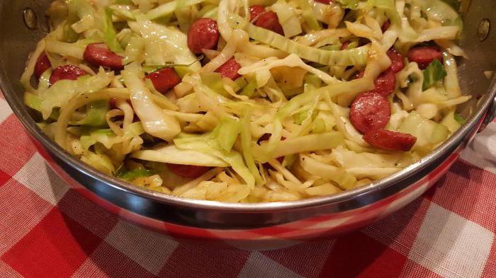 Салат с капустой и копченой колбасой: особенности приготовления, рецепты и рекомендации