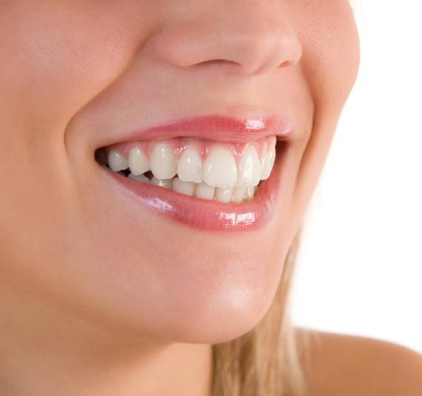 Имплантация зубов: противопоказания и возможные осложнения после протезирования