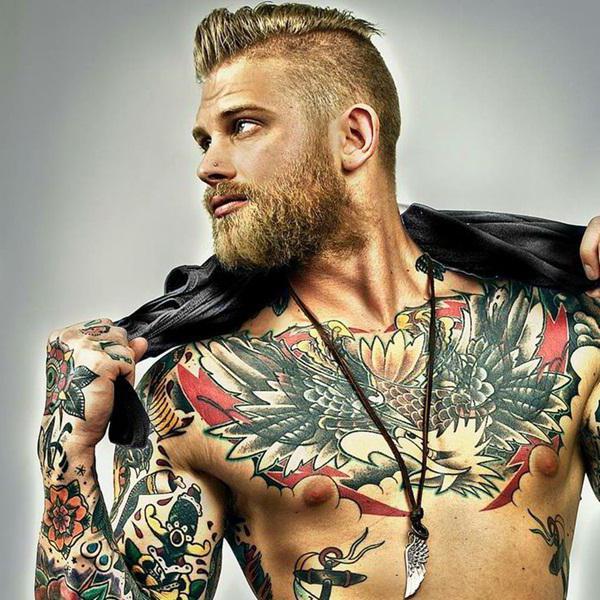 Мужские тату на груди и их особенности