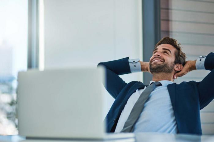10 признаков, что вы не можете доверять своему коллеге