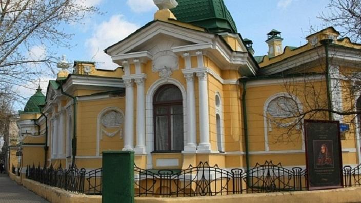 История Красноярска. В какой федеральный округ он входит?