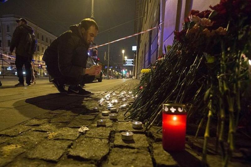 Сегодня питерцы вернули многим веру в людей! Реакция жителей города на теракт растрогала мир.