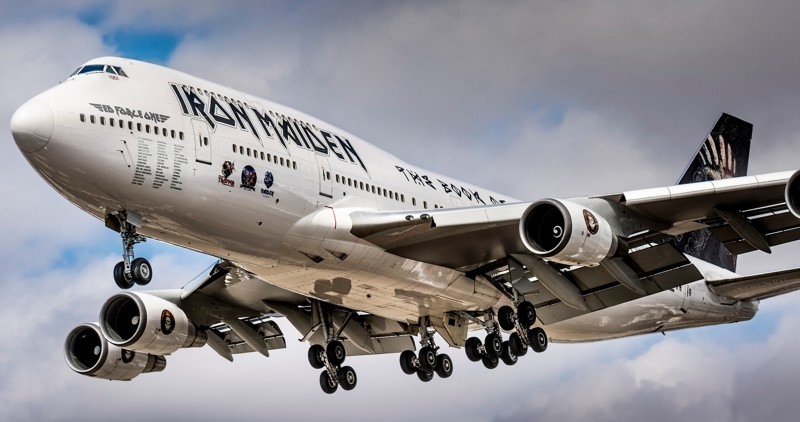 Boeing 747. Первый вмире дальнемагистральный двухпалубный широкофюзеляжный пассажирский самолёт