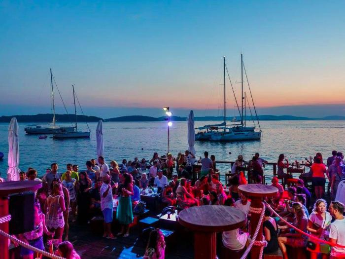 Скоро лето: топ-10 лучших пляжных баров мира
