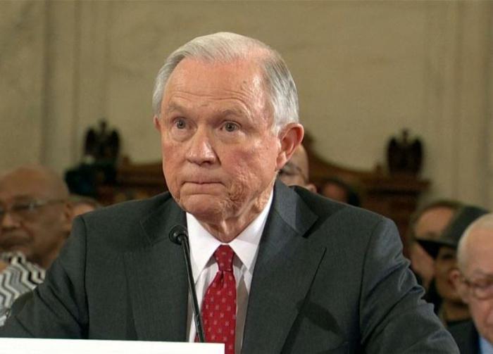 Возможная отставка генпрокурора США Сешнса. «Метод Кисляка» в действии?