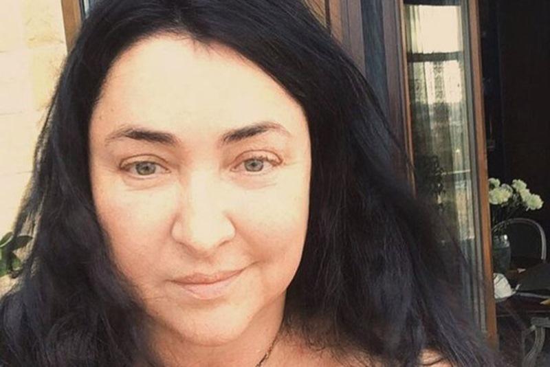 <br /> Вот как выглядит 53-летняя Лолита Милявская после пластической операции...