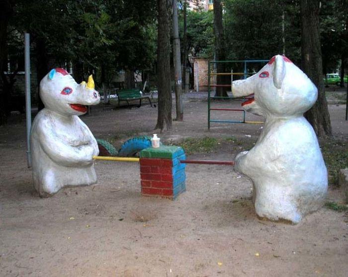 15 детских площадок, на которых страшно даже взрослым