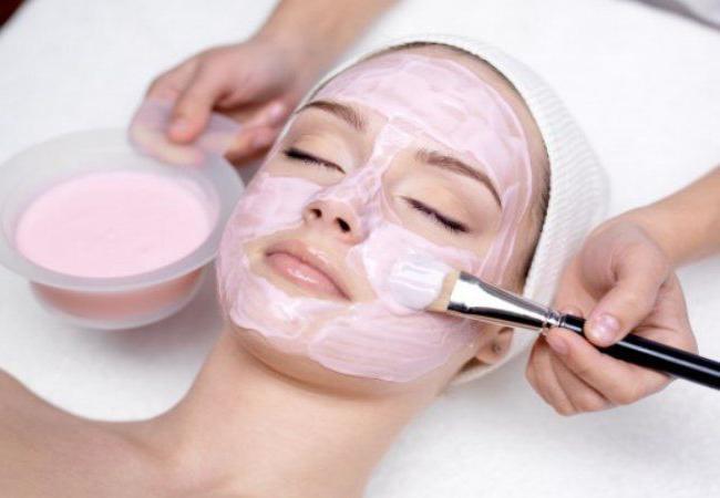 Если кожа на лице шелушится, что делать в домашних условиях?