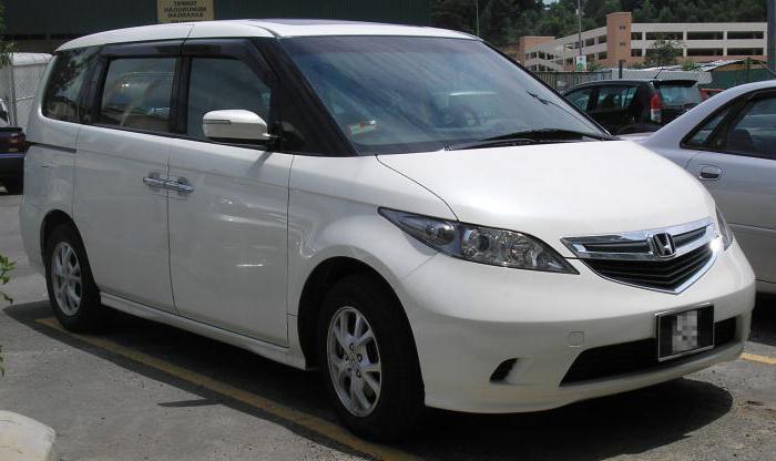 Обзор автомобиля Honda Elysion