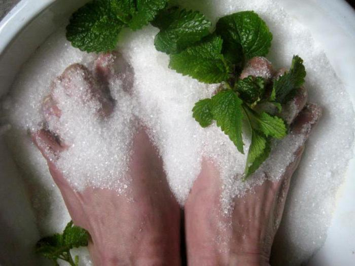 Черный ноготь на ноге: причины и методы лечения