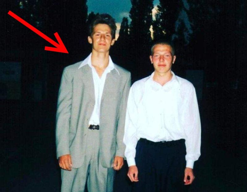 Знаменитый украинский певец Потап показал, каким он был она школьном выпускном.
