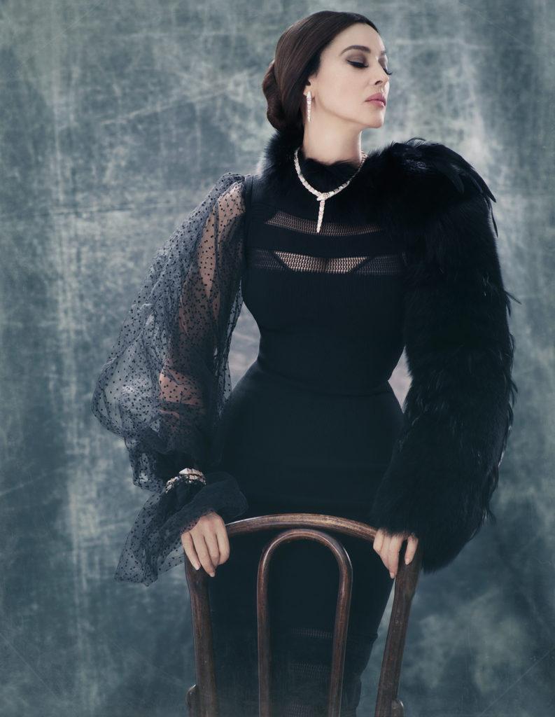Великолепная Моника Беллуччи восхитила поклонником новой фотосессией.