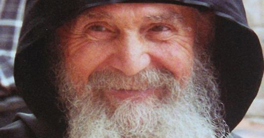 «Злость — наказание себя за чужие глупости»: советы афонских старцев о том, как поступать с обидчиками