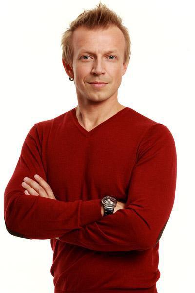 Телеведущий и шоумен Антон Комолов: биография, карьера и семейное положение