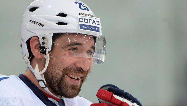 Данис Зарипов   успешный российский хоккеист